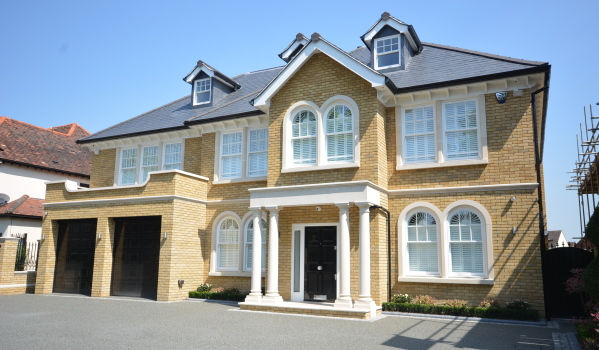 Six-bedroom new build detached house in Hornchurch