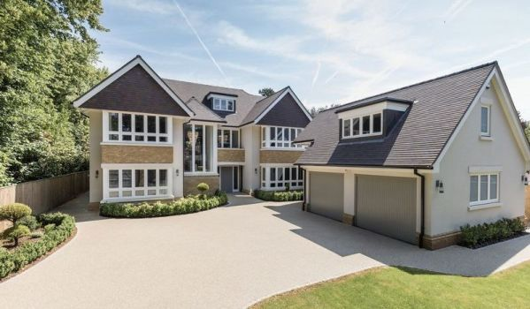 Six-bedroom new build detached house in Beaconsfield