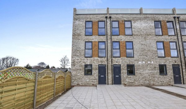 Four-bedroom new build detached house in Crouch End