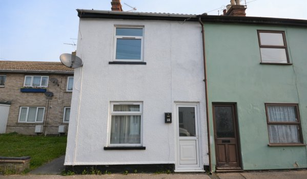 Two-bedroom end terrace house for sale in Lowestoft