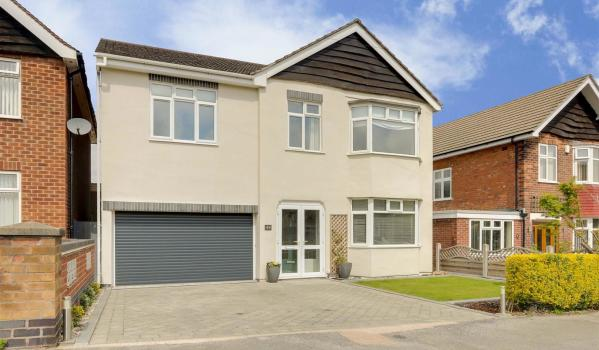 4 bed detached house for sale for £330000