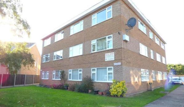 One bedroom flat for sale for £70000