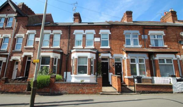 Four-bedroom terraced house for sale in Leicester for £315,000