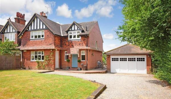 Should You Consider Turning Your Front Garden Into A Parking Spot Zoopla