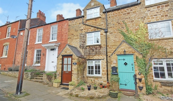 Two-bedroom terraced house for sale in Northampton for £199,950