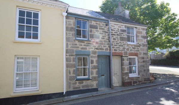 One-bedroom cottage for sale in Penryn