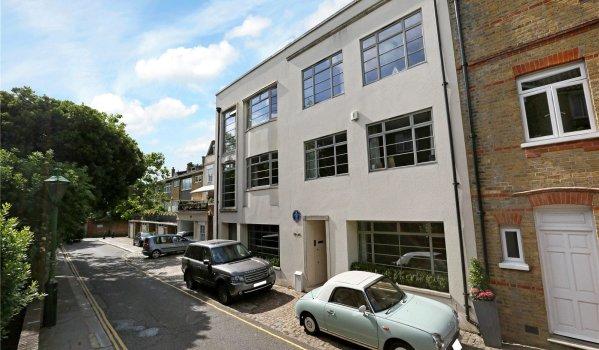 Seven-bedroom detached house for sale for £14m