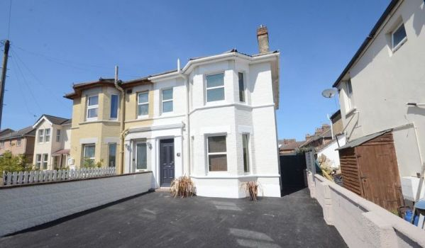 Three-bedroom semi-detached house for £290,000