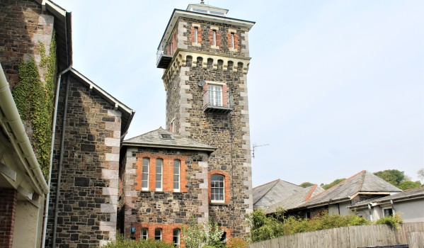 Four-bedroom water tower in Moorhaven