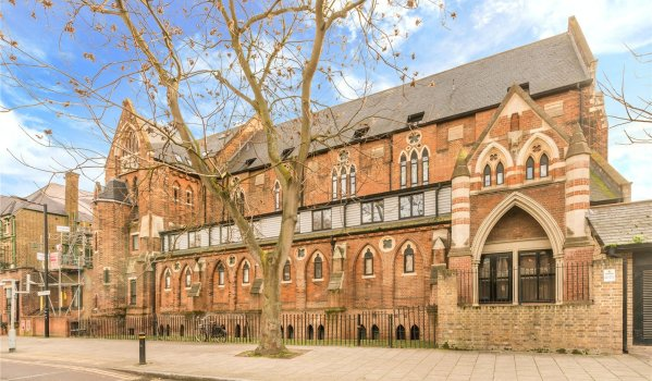 Two-bedroom flat in a church conversion in Bermondsey