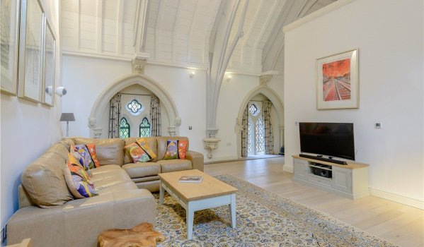 Two-bedroom flat in a church conversion in Winchester