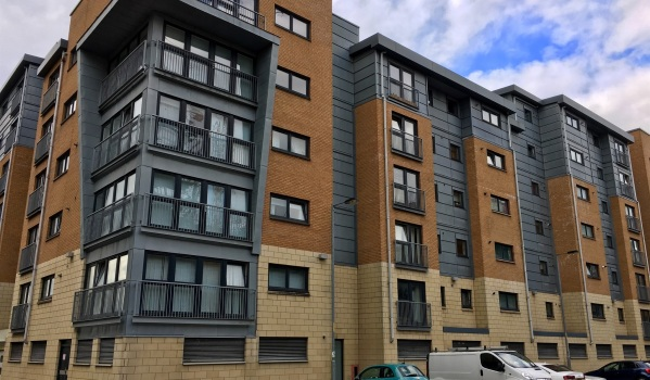 Two-bedroom flat in Glasgow for £105,000