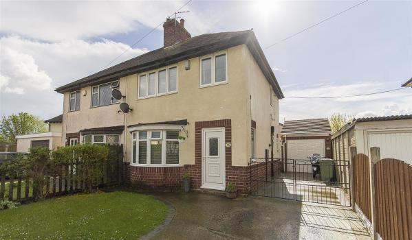 Three-bedroom semi-detached house in Bolsover, Chesterfield, for £149,950