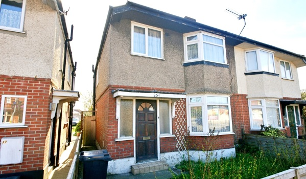 Three-bedroom semi-detached house for £270,000