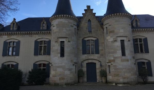 Seven-bedroom castle for sale in Bordeau