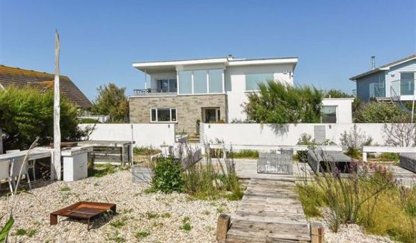 Six-bedroom beachfront detached house in Selsey