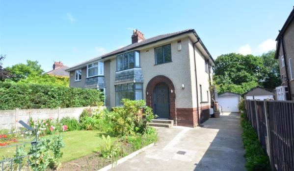 Three-bedroom semi-detached house in Lancaster for £230,000