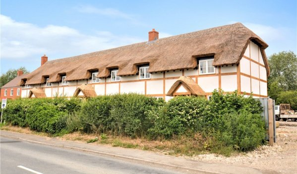 Three-bedroom cottage in Milton