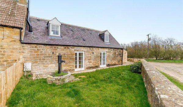 Two-bedroom barn conversion in Low Horton Grange