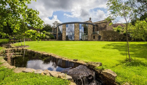 Extended five-bedroom detached house in Scout, Marsden