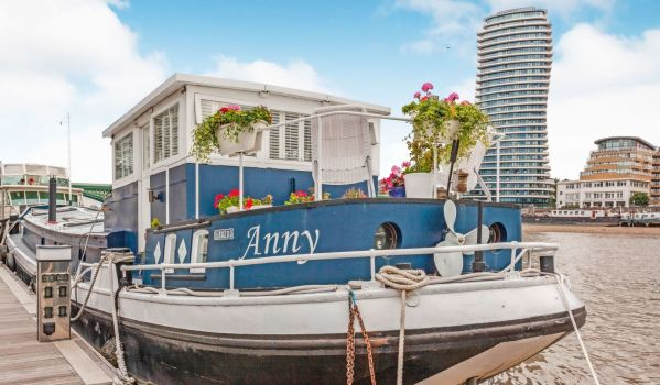 Houseboat in South London