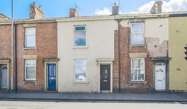 Three-bedroom terraced house for sale in Blackburn