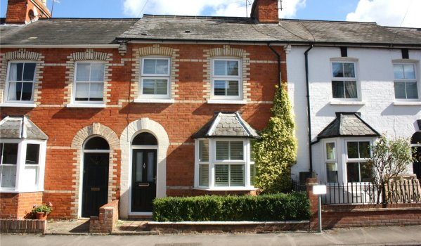 Traditional Victorian terraced house for rent