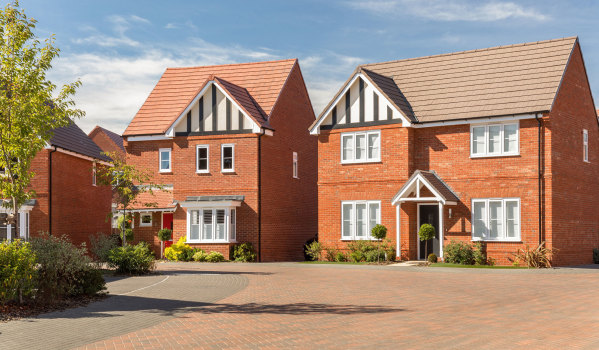 Four-bedroom detached house for sale in Boorley Green, Botley for £495,000