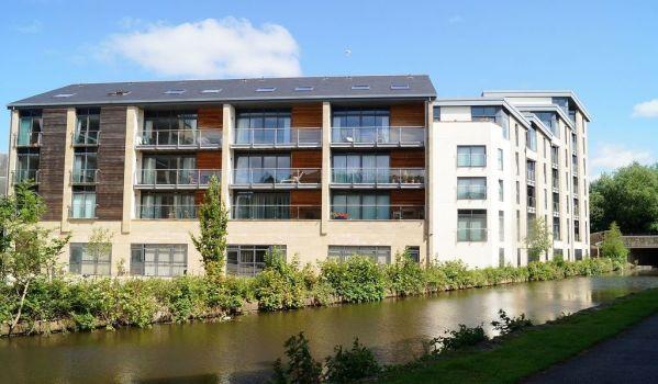 Riverside modern flats