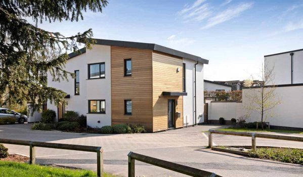 Modern semi-detached house in Exeter