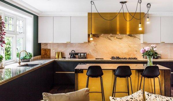 Striking modern kitchen