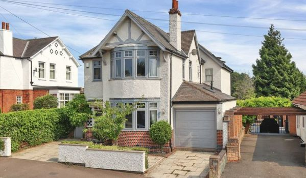 Detached period home in Leicester