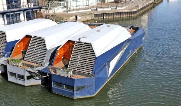 Houseboat on the River Thames to rent on Zoopla