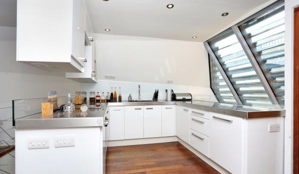 The kitchen in the London houseboat to let on Zoopla