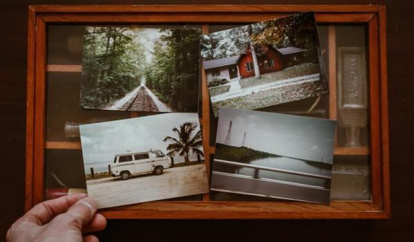 old photo album - Unsplash