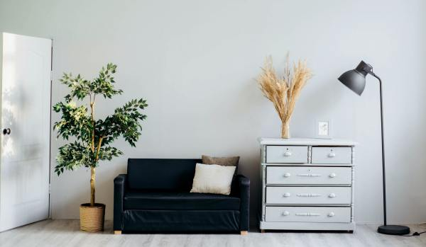 Decluttered home space - Unsplash